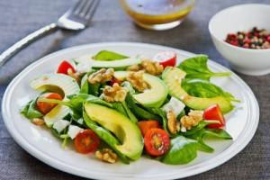 آووکادو یکی از مواد غذایی چربی سوز
