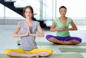 از فواید یوگا کاهش استرس است