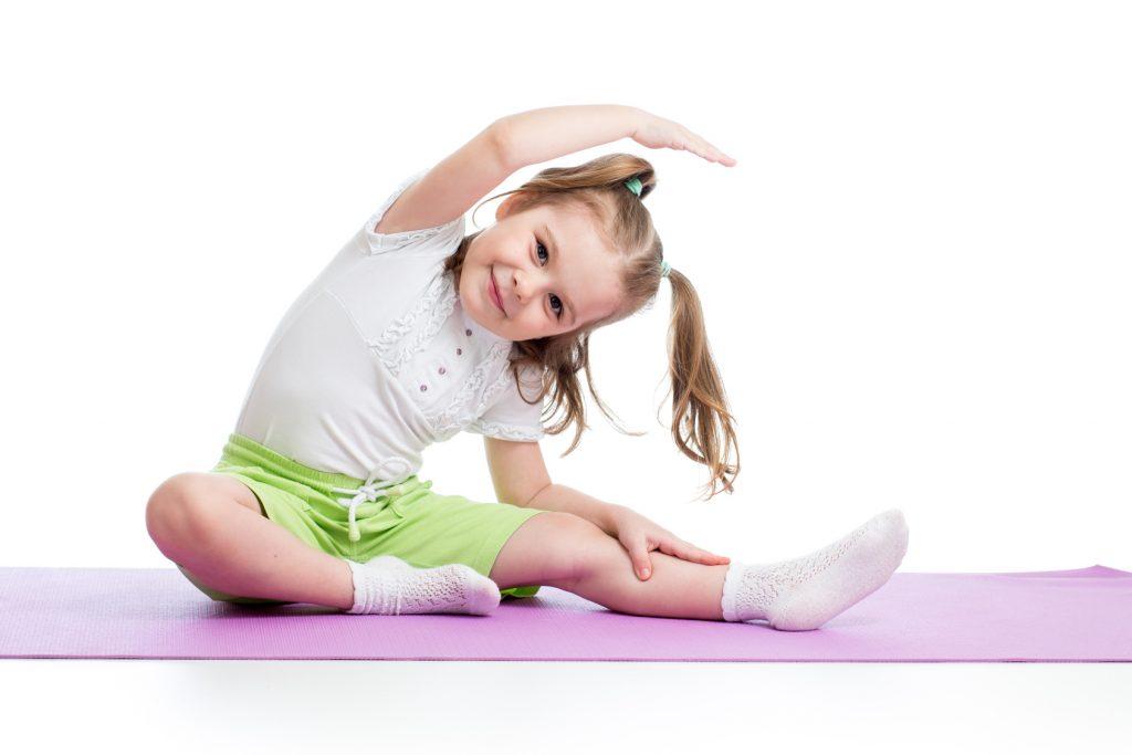 فواید ورزش برای کودکان در حرکات کششی