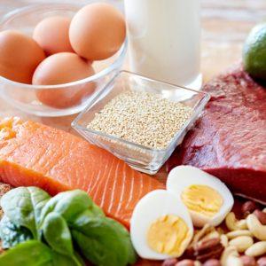 مصرف پروتئین برای جلوگیری از عضله سوزی در رژیم