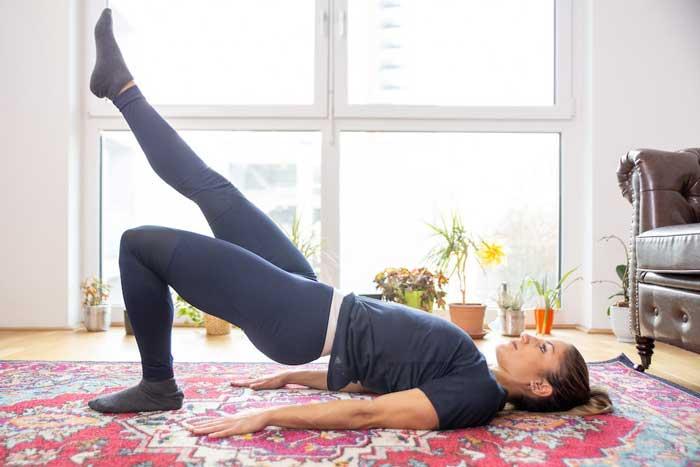 آموزش تصویری حرکت بریج تک پا برای فرم دهی به باسن