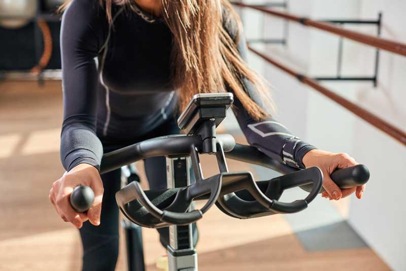 تمرین با دوچرخه ثابت